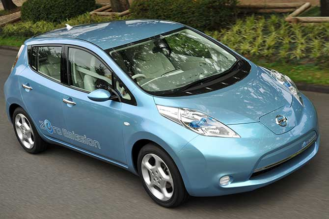 Nissan Has Just Released Details Of What They Claim To Be The First Practical Affordable All Electric Car Leaf When It Goes On In 2010